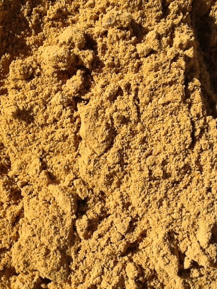 A fine sharp sand typically used for Rendering, Floor Screeding and also Paving.